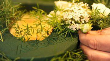 mosy bloemen steekschuim